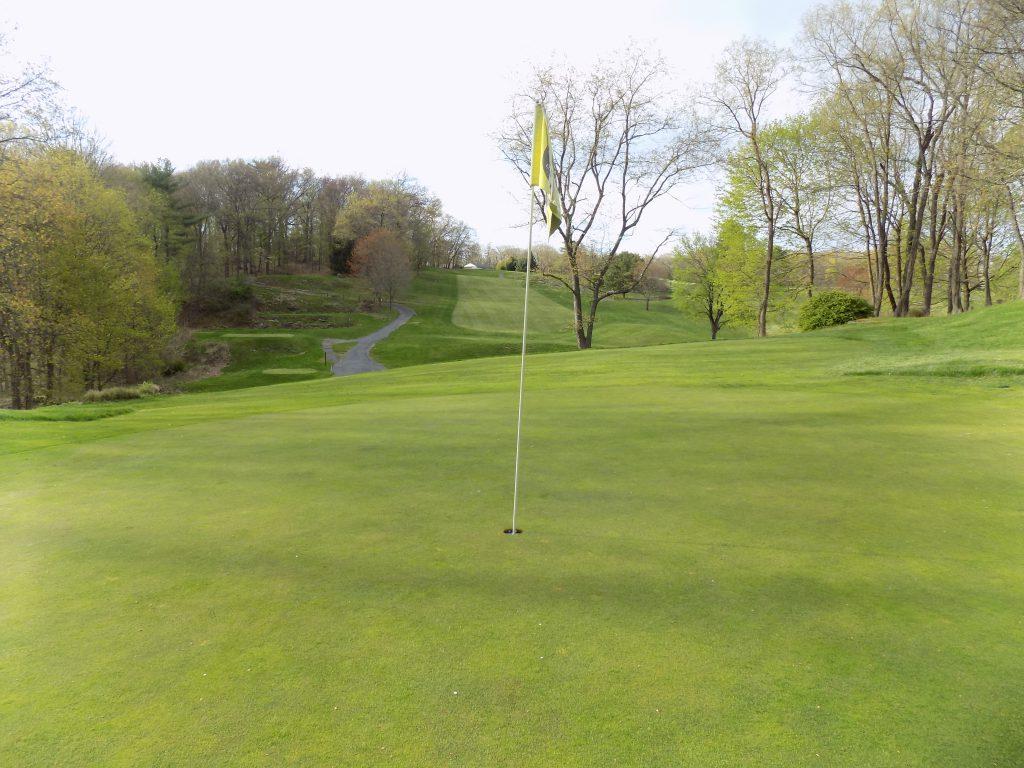 Twaalfskill Golf Course Image 2